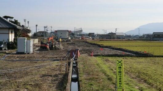 多度津丸亀線から見た競技場