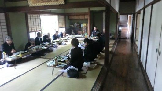 お寺での法事後の庫裏での食事