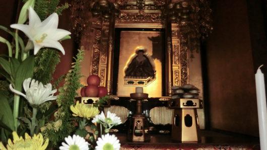 真宗寺院右脇壇親鸞聖人