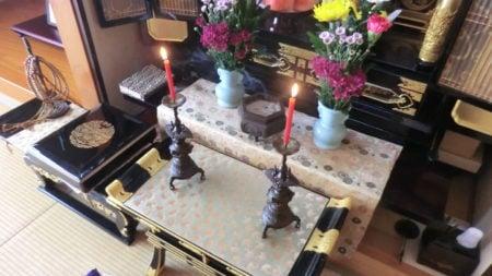 報恩講、お仏壇のお飾り例。5具足にする。