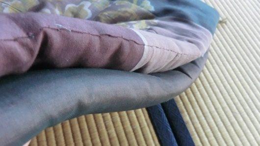 座布団の縫い合わせ有る無しの見た目の違い