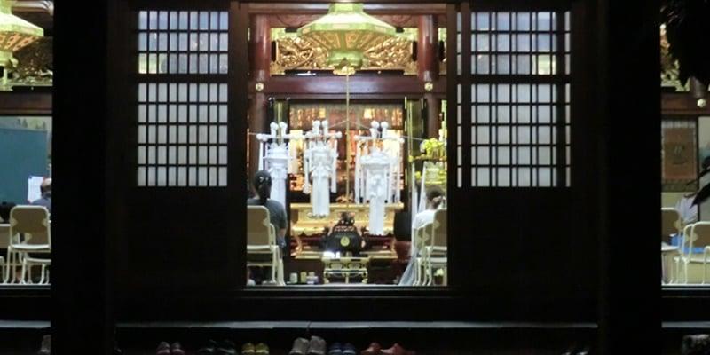 円龍寺での灯籠流し法要の報告