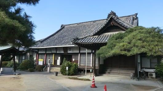 丸亀遍照寺の本堂