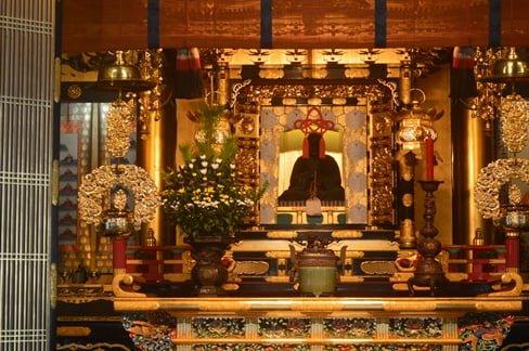Shinran statue in the koshoji temple